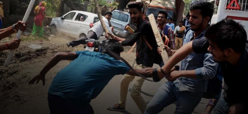 Kast sistemi çürüyor: Dalitlerin isyanında 9 kişi öldü