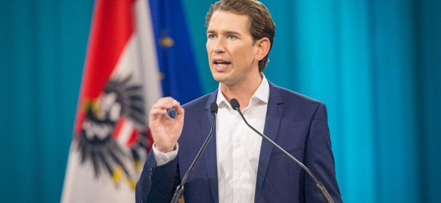 Avusturya okullarda başörtüsünü yasaklıyor