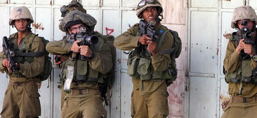 İsrail askerleri 3 Filistinli genci öldürdü