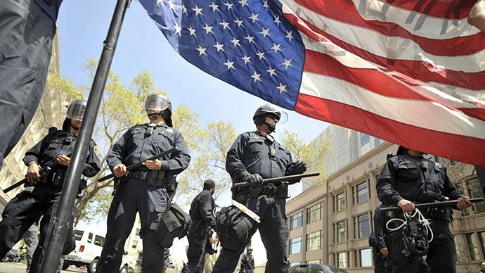 ABD'de dehşete düşüren polis şiddeti