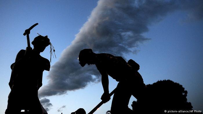 Siirt'te maden ocağında göçük: 13 işçi kurtarılmaya çalışılıyor