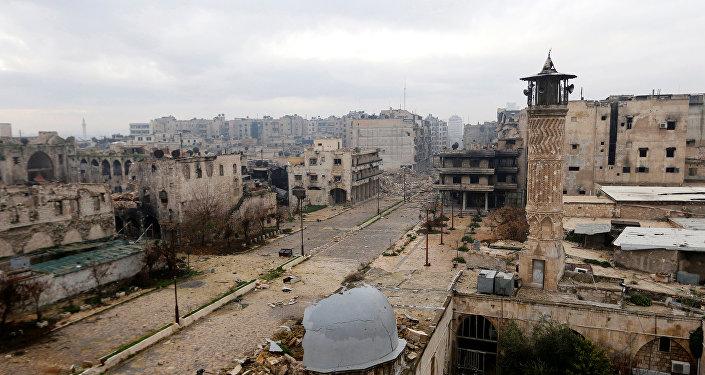 Rusya Doğu Halep'i vuruyor: 25 ölü