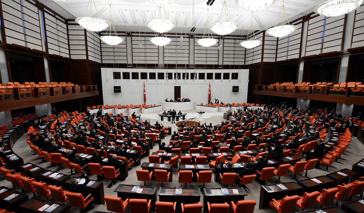 Mecliste 'cinsel istismar' düzenlemesi tartışması