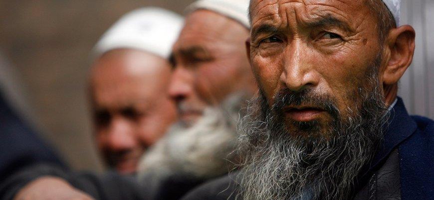 Çin, Uygur Müslümanlarına seccadeyi yasaklıyor
