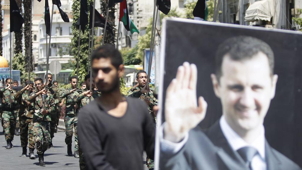 """Bir rejim askeri ile röportaj: """"Bizim sessizliğimizi satın alıyorlar"""""""