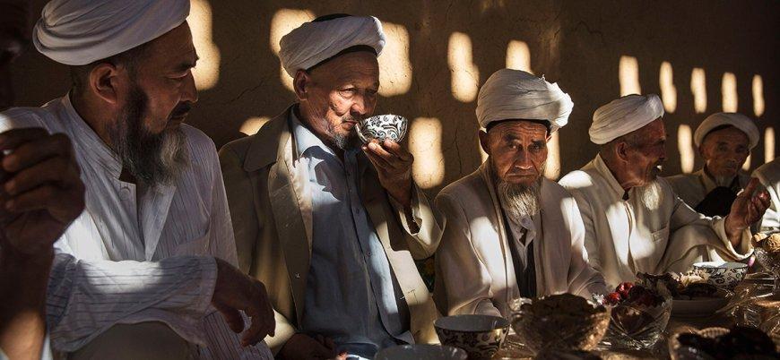 Çin yönetimi Müslümanları domuz eti yemeye zorluyor