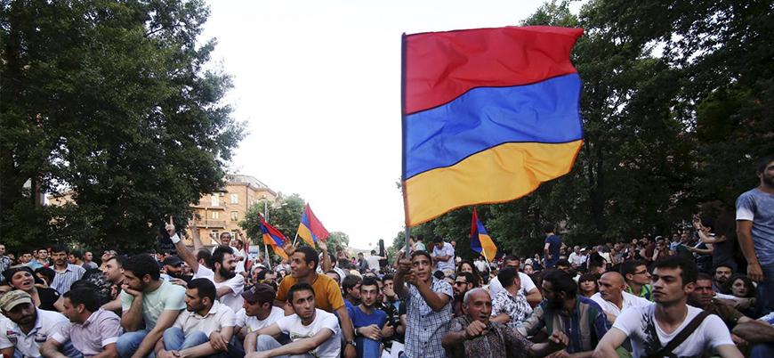 Ermenistan'da polis ve göstericiler arasında çatışma