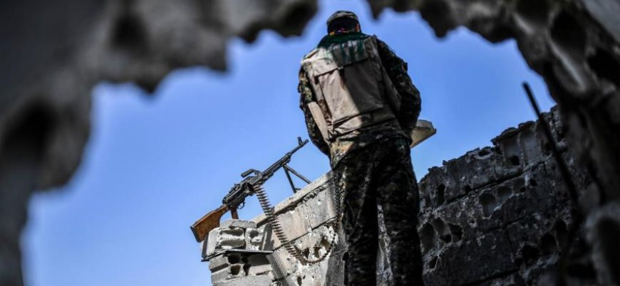 """""""Türkiye ABD'ye YPG'nin elindeki ağır silahları toplaması için baskı yapıyor"""""""