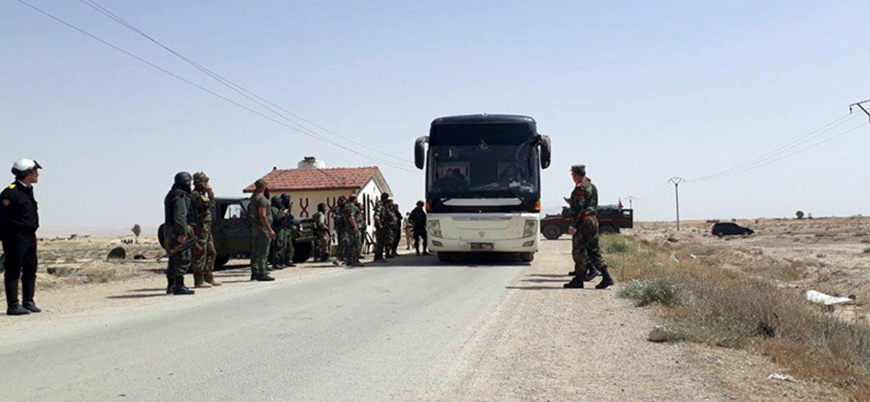 Muhalifler Şam kırsalında bir bölgeyi daha tahliye ediyor