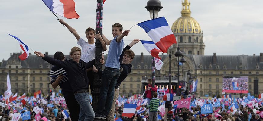 Fransa'da gösteriler ve çatışmalar sürüyor