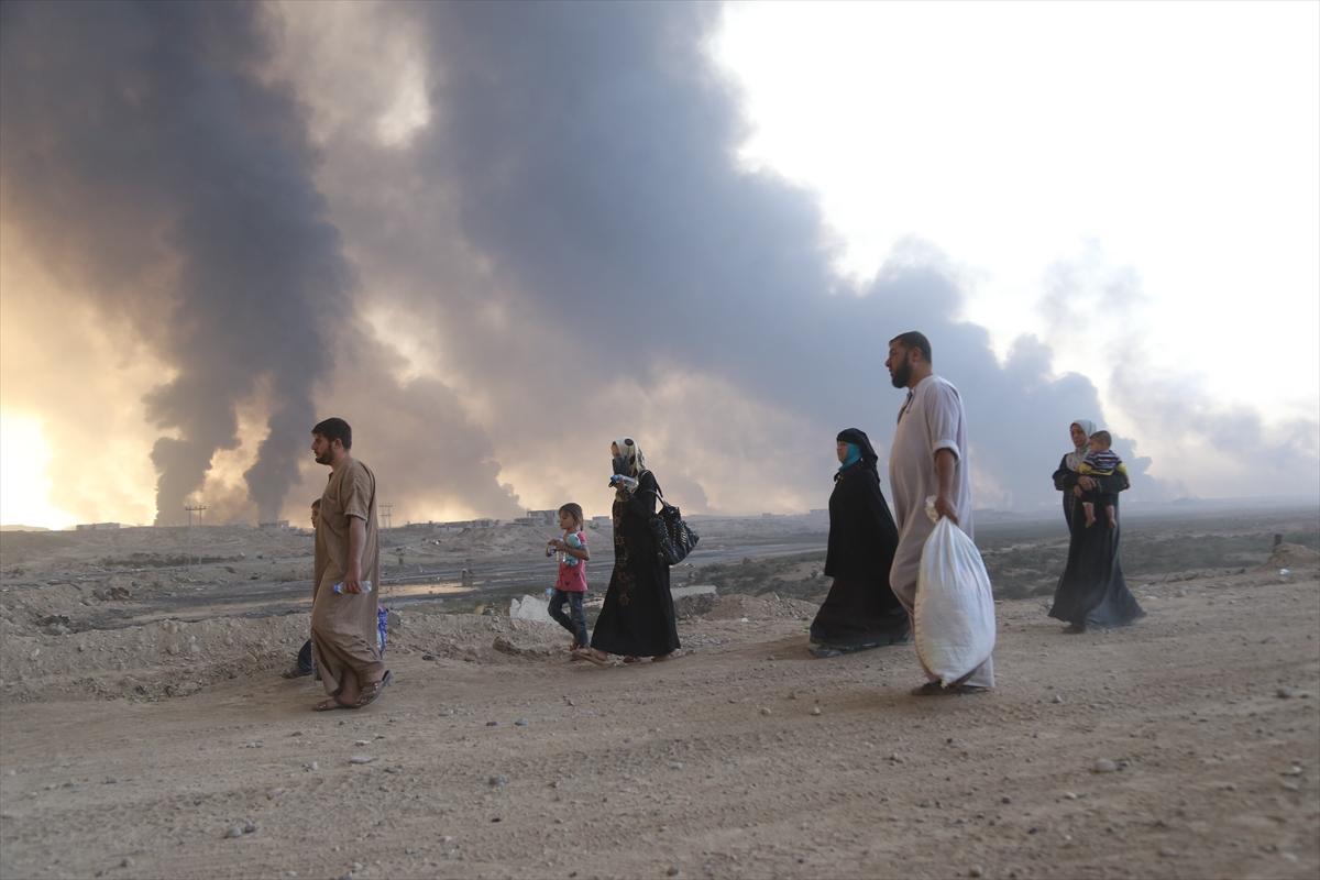 Musul'da siviller evlerini terkediyor