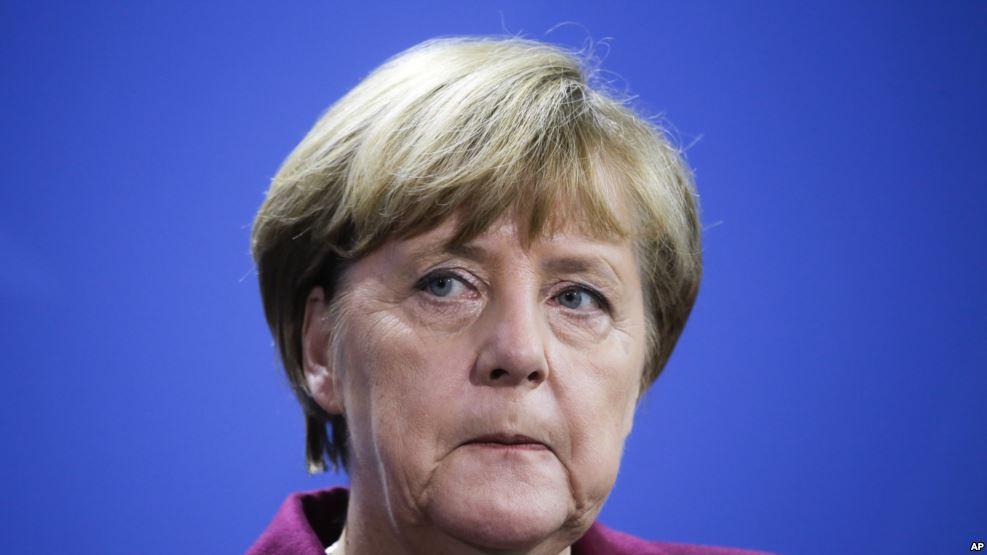 Merkel dördüncü kez aday oluyor