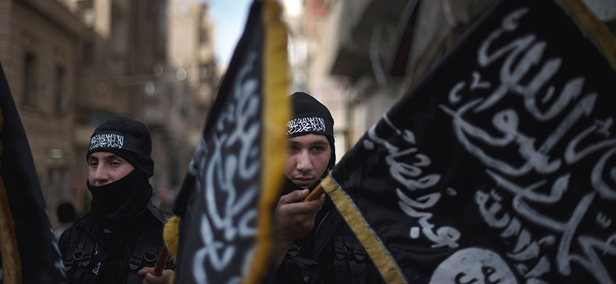 Suriye'de El Kaide'ye yakınlığıyla bilinen gruplardan yeni birleşme