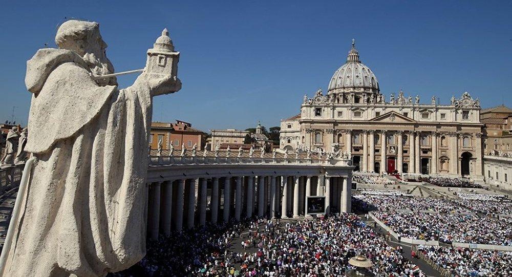 Hristiyanlar, sekülerizme 'boyun eğiyor'