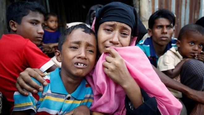Arakanlı Müslümanlar: Evlerimiz ve camilerimiz yakılıyor