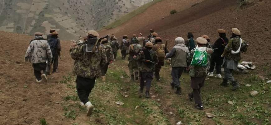 Taliban Afganistan'da bir ilçeyi daha ele geçirdi