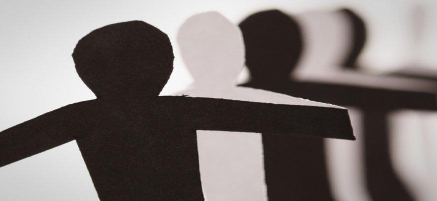 İtalya'da siyahi kadın ten renginden dolayı işten çıkarıldı