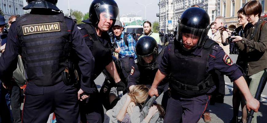 Binlerce gözaltı sonrası AB'den Rusya'ya çağrı