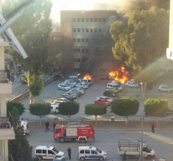 Adana Valiliği önünde bombalı saldırı