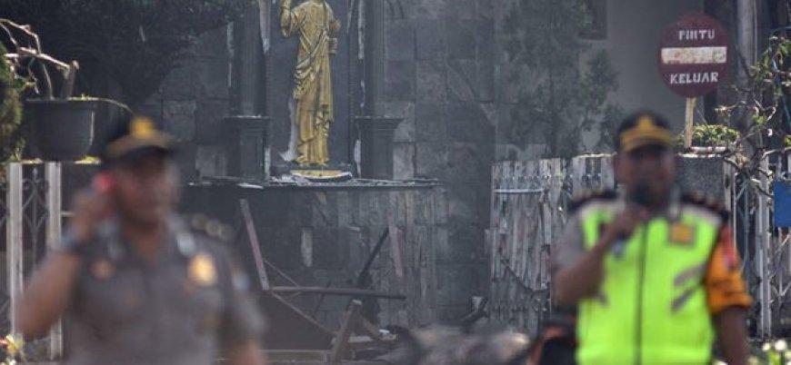 Endonezya'da üç kiliseye IŞİD saldırısı: 11 ölü