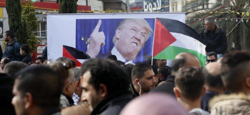 Yahudilerden sloganlar: Onları yakın, dövün, öldürün