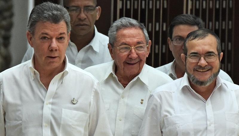 FARC tüm silahlarını teslim ediyor