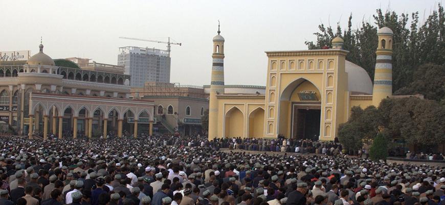 """""""Çin Doğu Türkistan'da Müslümanların beyinlerini yıkıyor"""""""
