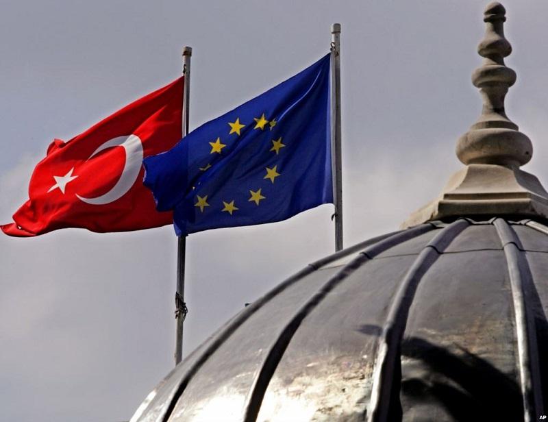 Başbakan Yıldırım'dan AP'ye sert tepki: Karar yok hükmünde