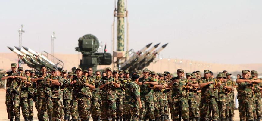 Hafter güçleri Derne'de ilerliyor