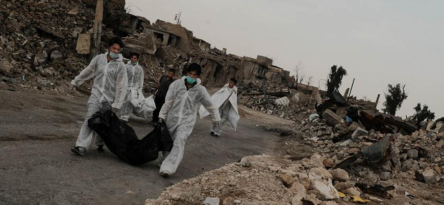 Gönüllüler Musul'da her gün onlarca cesedi enkazdan çıkarıyor