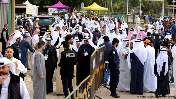 Kuveyt'te muhalifler güç kazandı