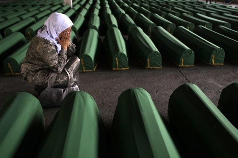 Srebrenitsa faili Hollandalı askerler dava açtı