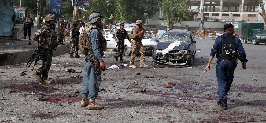 Afganistan'da bayramlaşma programına bombalı saldırı