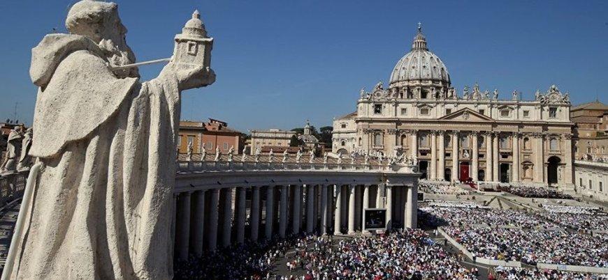 Vatikan'ın eski diplomatına 'çocuk istismarından' 5 yıl hapis cezası