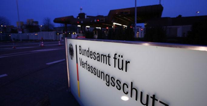 Almanya'da 'radikal İslamcı muhbir var' korkusu