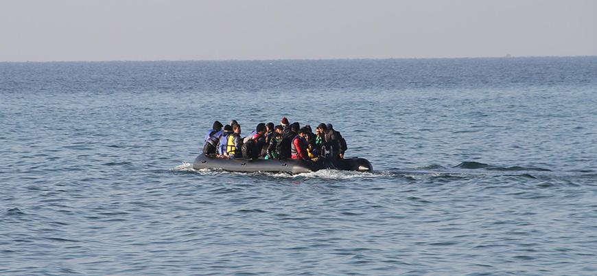Libya'da 100 göçmeni taşıyan bot battı