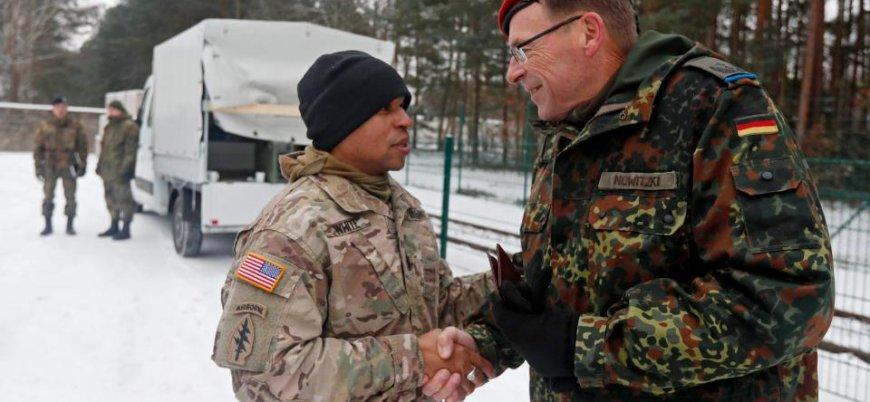 'ABD, Almanya'daki 35 bin askerini geri çekebilir'