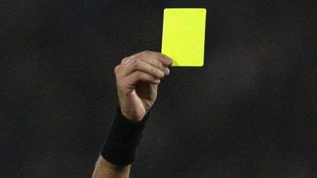 'Allah büyüktür' diyen futbolcuya sarı kart çıkardı