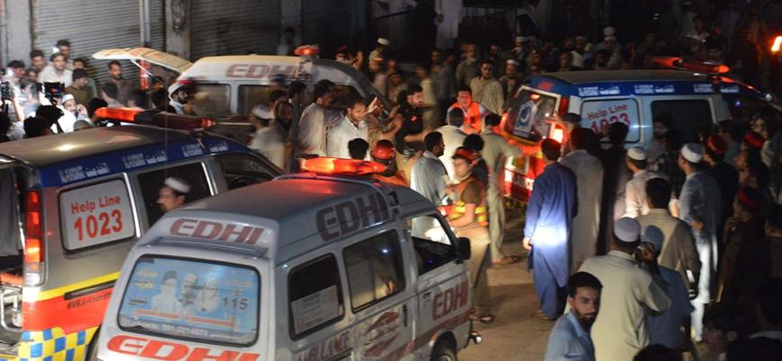 Pakistan'da mitinge bombalı saldırı: 12 ölü