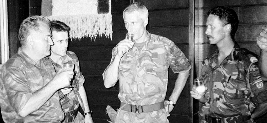 Sırplar BM ile anlaşarak Srebrenitsa'da katliam yapmış