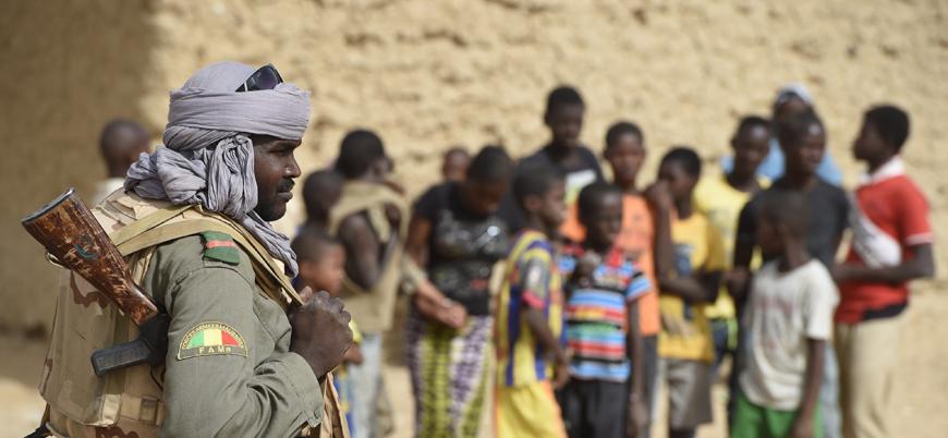 Mali'de Savaş-4: Batı ve cihat yanlıları arasında halkı kazanma savaşı