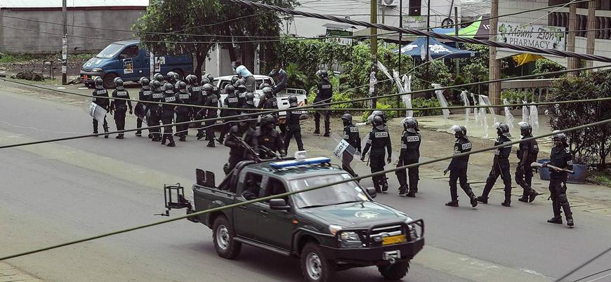 Kamerun'da Savunma Bakanı'nın konvoyuna silahlı saldırı