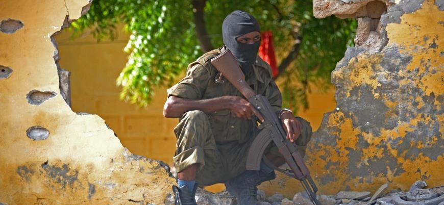 Eş Şebab Somali'nin başkenti Mogadişu'da ABD askeri hava üssüne saldırdı