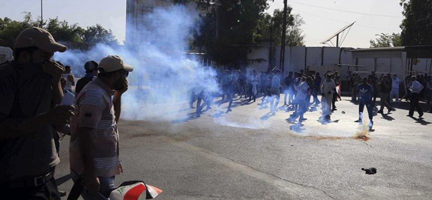 Irak durulmuyor: Halk Abadi'nin üye olduğu partiyi bastı