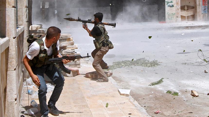 Muhalifler Suriye'nin güneyinde rejimi geri püskürttü: 60 ölü