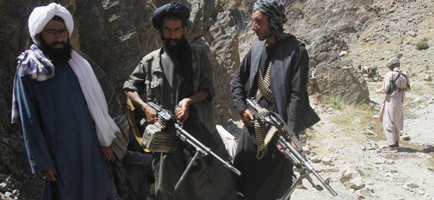 Taliban Afganistan'da 3 merkez ve 15 kontrol noktasını ele geçirdi