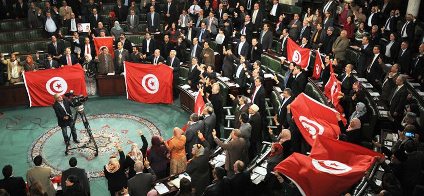 Tunus'ta hükümet krizi büyüyor