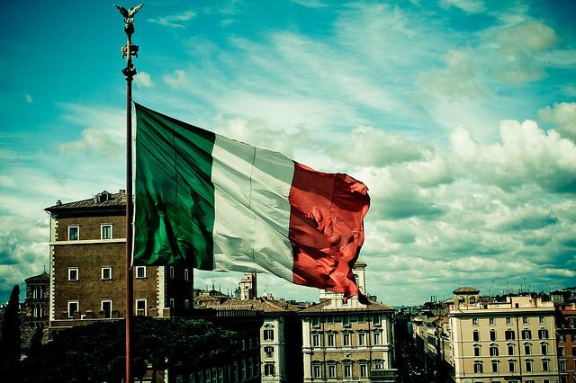 İtalya Başbakanının geleceği referanduma bağlı