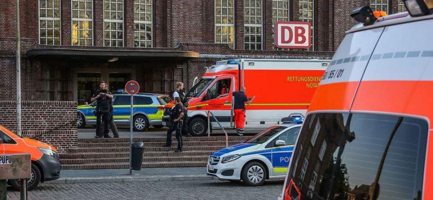 Almanya'da bıçaklı saldırı: 2'si ağır 14 yaralı