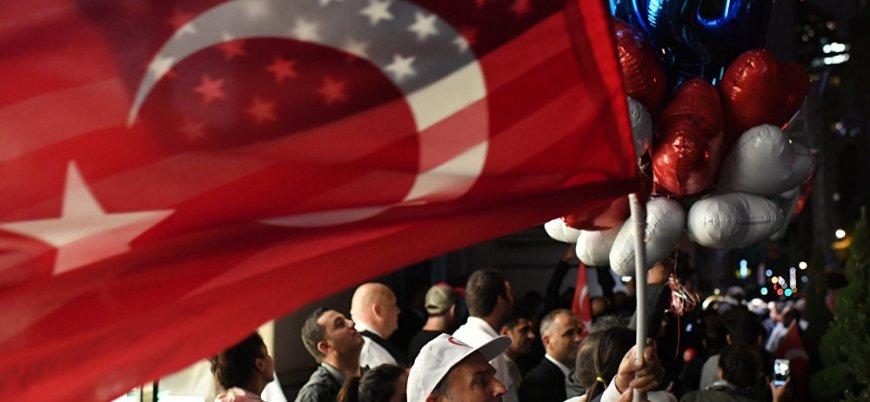 'Türkiye, İran'a yaptırım konusunda ABD'yi desteklemeli'